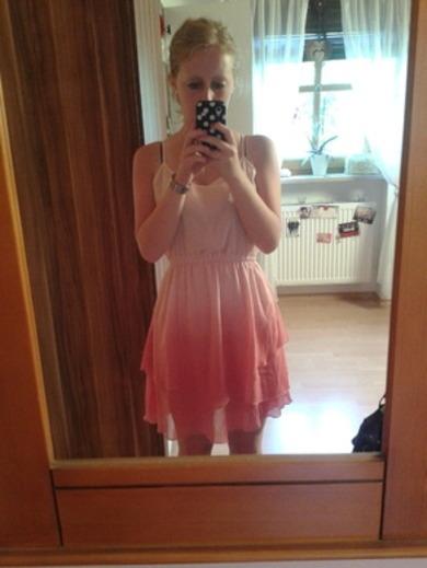 fashn.de | Wie findet ihr das Kleid und kann ich es in die Schule ...