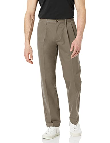 Amazon Essentials Classic-Fit Wrinkle-Resistant Pleated Chino Pant Unterhose, Taupe, 36W x 28L von Amazon Essentials